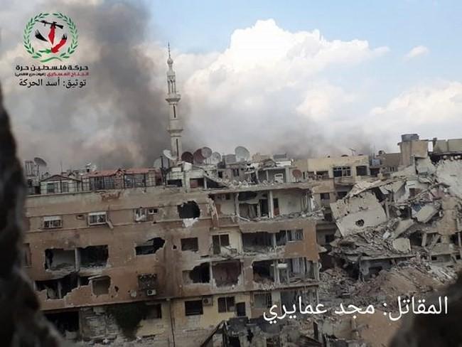 Quân tinh nhuệ Syria nghiền nát IS, đoạt thêm cứ địa khủng bố tại Yarmouk - Ảnh 1.