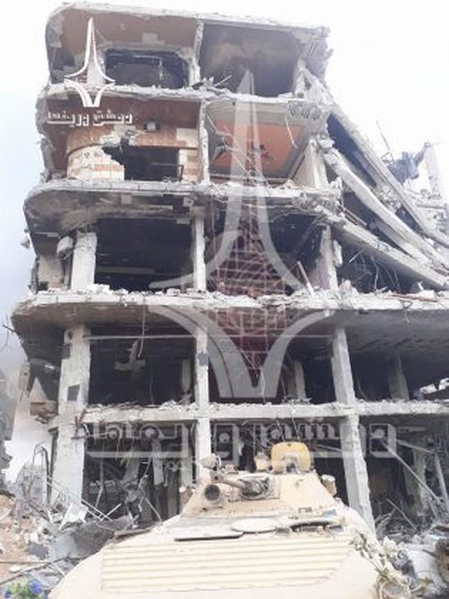 Quân tinh nhuệ Syria nghiền nát IS, đoạt thêm cứ địa khủng bố tại Yarmouk - Ảnh 12.