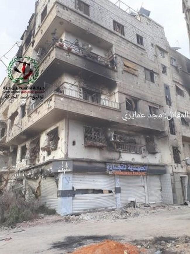 Quân tinh nhuệ Syria nghiền nát IS, đoạt thêm cứ địa khủng bố tại Yarmouk - Ảnh 5.