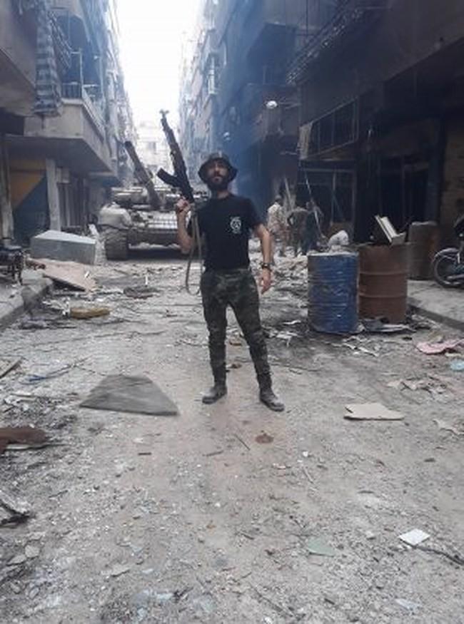Quân tinh nhuệ Syria nghiền nát IS, đoạt thêm cứ địa khủng bố tại Yarmouk - Ảnh 7.