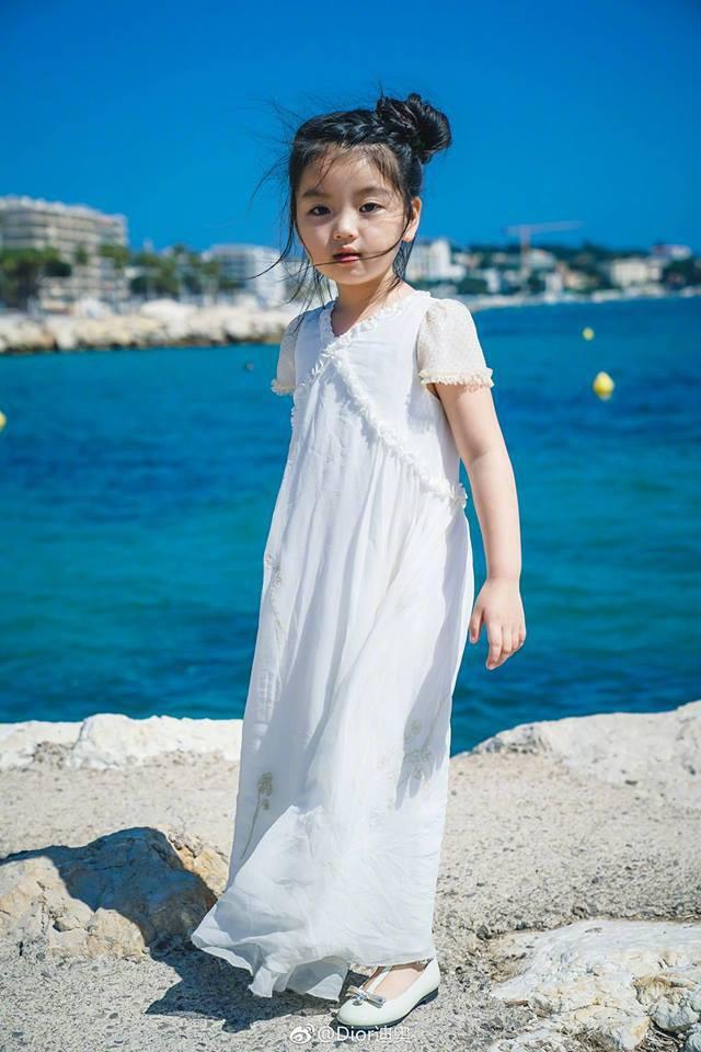 Không phải Phạm Băng Băng, Mỹ nhân nhí này của Cbiz khiến netizen đứ đừ khi khoe dáng tại Cannes - Ảnh 8.