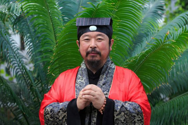 Ngày mai, võ sư nổi tiếng phái Vịnh Xuân tới gặp Từ Hiểu Đông để thách đấu - Ảnh 1.