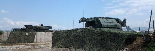 Pantsir-S1 phòng không Nga chạy khỏi căn cứ Khmeimim, Syria: Diễn biến rất nguy hiểm - Ảnh 1.