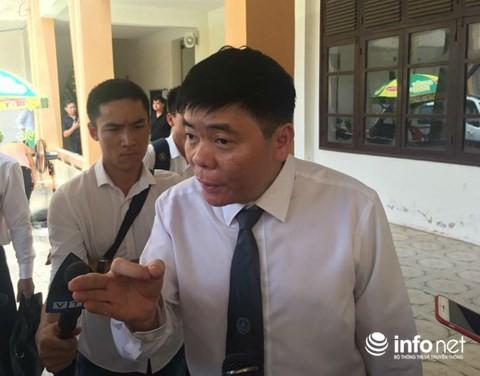 Đại diện Cựu giám đốc BV Hoà Bình cũng không đến tòa xử Hoàng Công Lương - Ảnh 1.