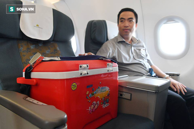 Hành khách đặc biệt trong chiếc thùng lạnh trên hành trình bay gần 700km cứu người - ảnh 1