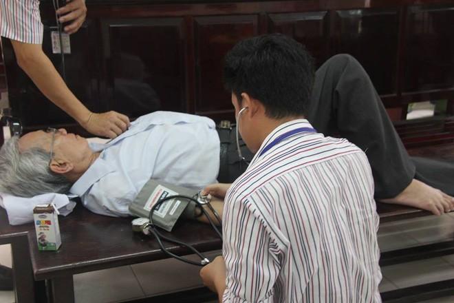 Thẩm phán Thiện nói nếu phạt tù, ông Nguyễn Khắc Thủy sẽ tìm đến cái chết - Ảnh 2.