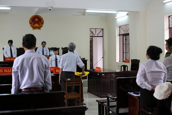 Thẩm phán Thiện nói nếu phạt tù, ông Nguyễn Khắc Thủy sẽ tìm đến cái chết - Ảnh 4.