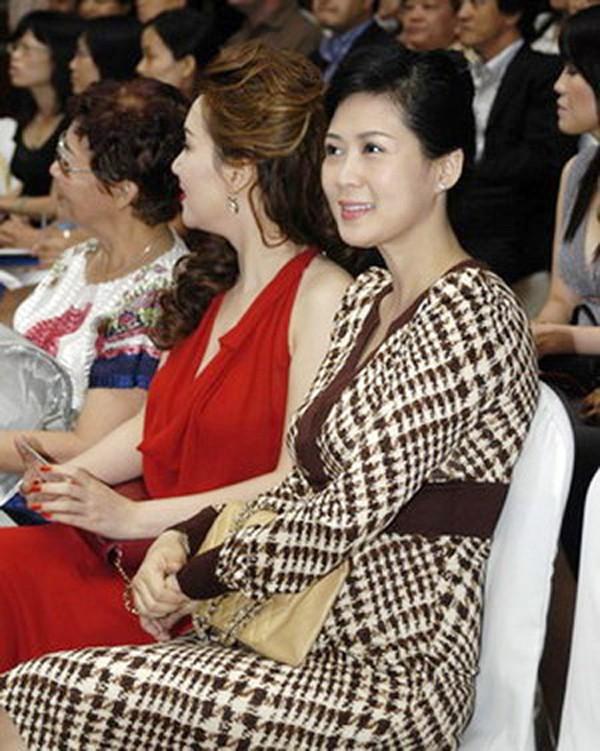 Diễm Hương - sự nghiệp hái ra tiền, mất tích bí ẩn và cuộc hôn nhân với chồng Việt kiều hơn 18 tuổi - Ảnh 2.