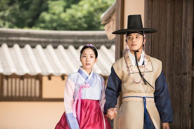 Phận đời bi đát của vương hậu xứ Hàn: Tại vị vỏn vẹn 7 ngày, bị cuốn vào vòng xoáy vương quyền, mất cha và chết đơn độc nơi lưu đày - Ảnh 9.