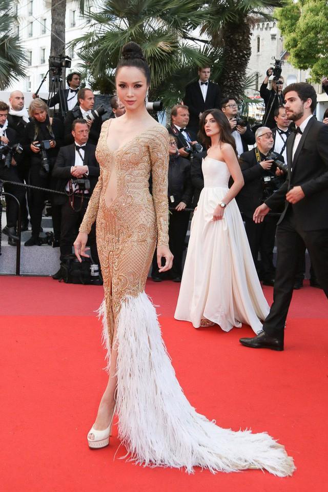 Trên thảm đỏ LHP Cannes 2018, sao Việt mặc nóng bỏng hơn cả sao quốc tế - ảnh 3