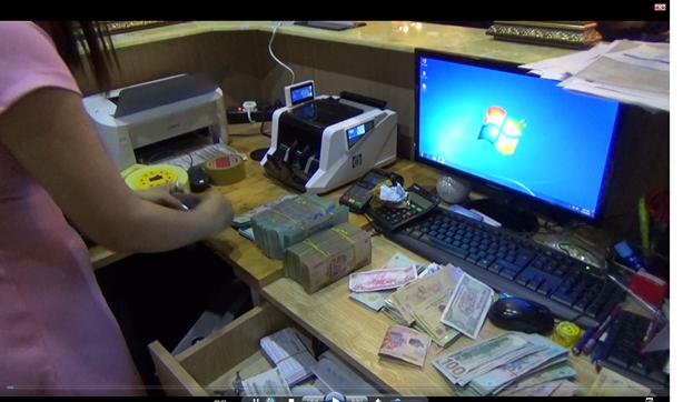 Đột kích sòng Poker của người ngoại quốc ở Sài Gòn, tạm giữ gần 40 đối tượng 2