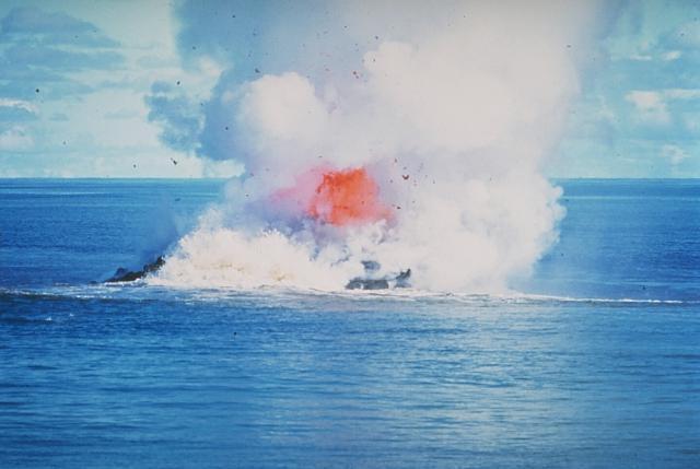 Phát hiện cá mập trên miệng núi lửa nhưng không ai lý giải nổi vì sao chúng lên được đó - Ảnh 5.