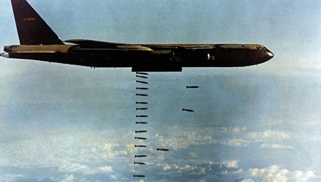 Những cuộc ném bom rải thảm khốc liệt nhất TK 20: Mọi thứ bị thiêu rụi phía sau chúng tôi - Ảnh 3.