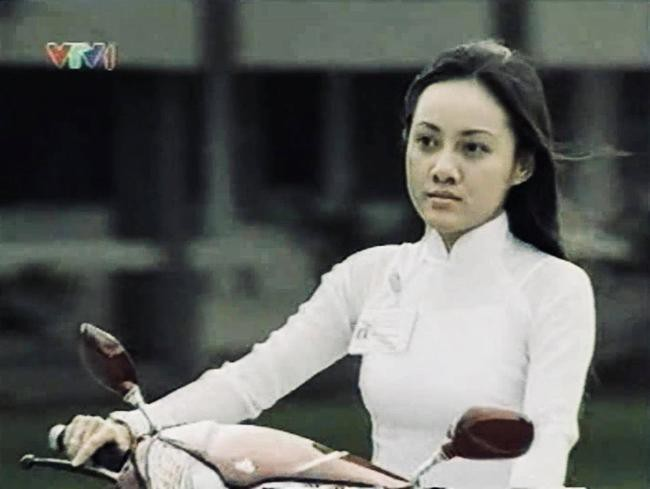 Chỉ 1 nụ hôn trộm mà Quyền Linh khiến BTV Hoài Anh nhớ mãi suốt 14 năm trời  - Ảnh 4.