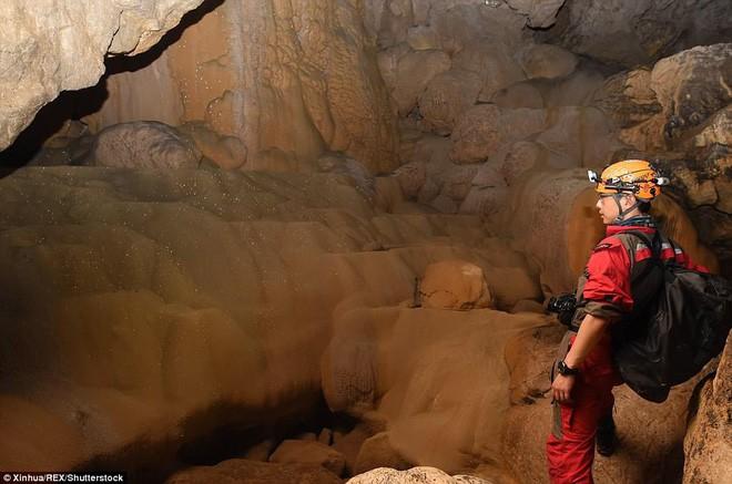 Phát hiện hang động khủng ở Trung Quốc - đủ chứa được 4 kim tự tháp Giza - Ảnh 5.