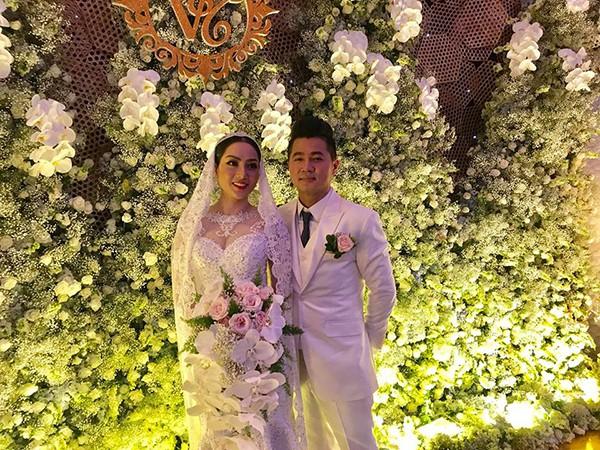 Chân dung bà xã gợi cảm yêu gần 5 tháng, mang bầu 4 tháng của ca sĩ Lâm Vũ - Ảnh 1.