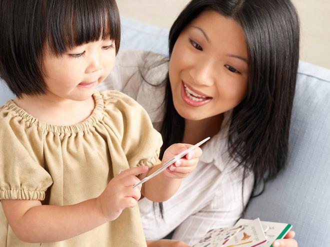2 thời điểm vàng giúp trẻ học giỏi tiếng Anh bố mẹ không nên bỏ lỡ - Ảnh 1.