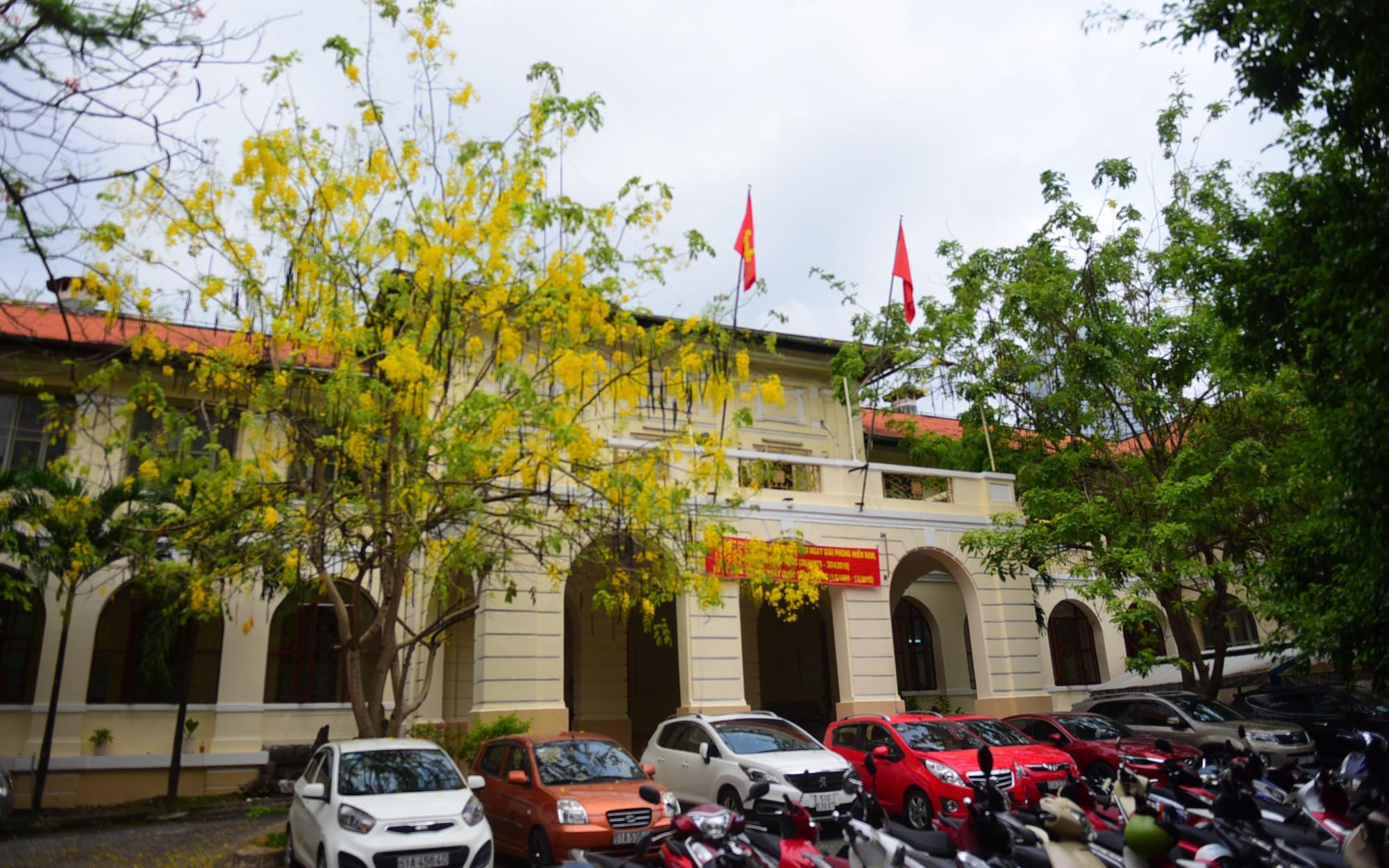 Cận cảnh dinh Thượng Thơ 120 năm tuổi ở Sài Gòn có nguy cơ bị đập bỏ - Ảnh 1.