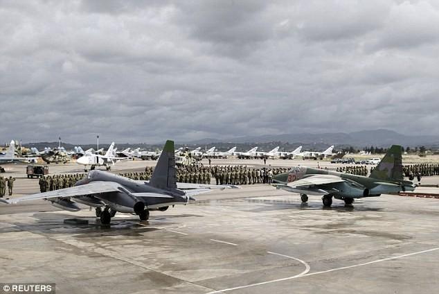 Nga giăng bẫy ở Syria: Liên tục tăng cường lực lượng và sẵn sàng nghênh chiến? - Ảnh 1.