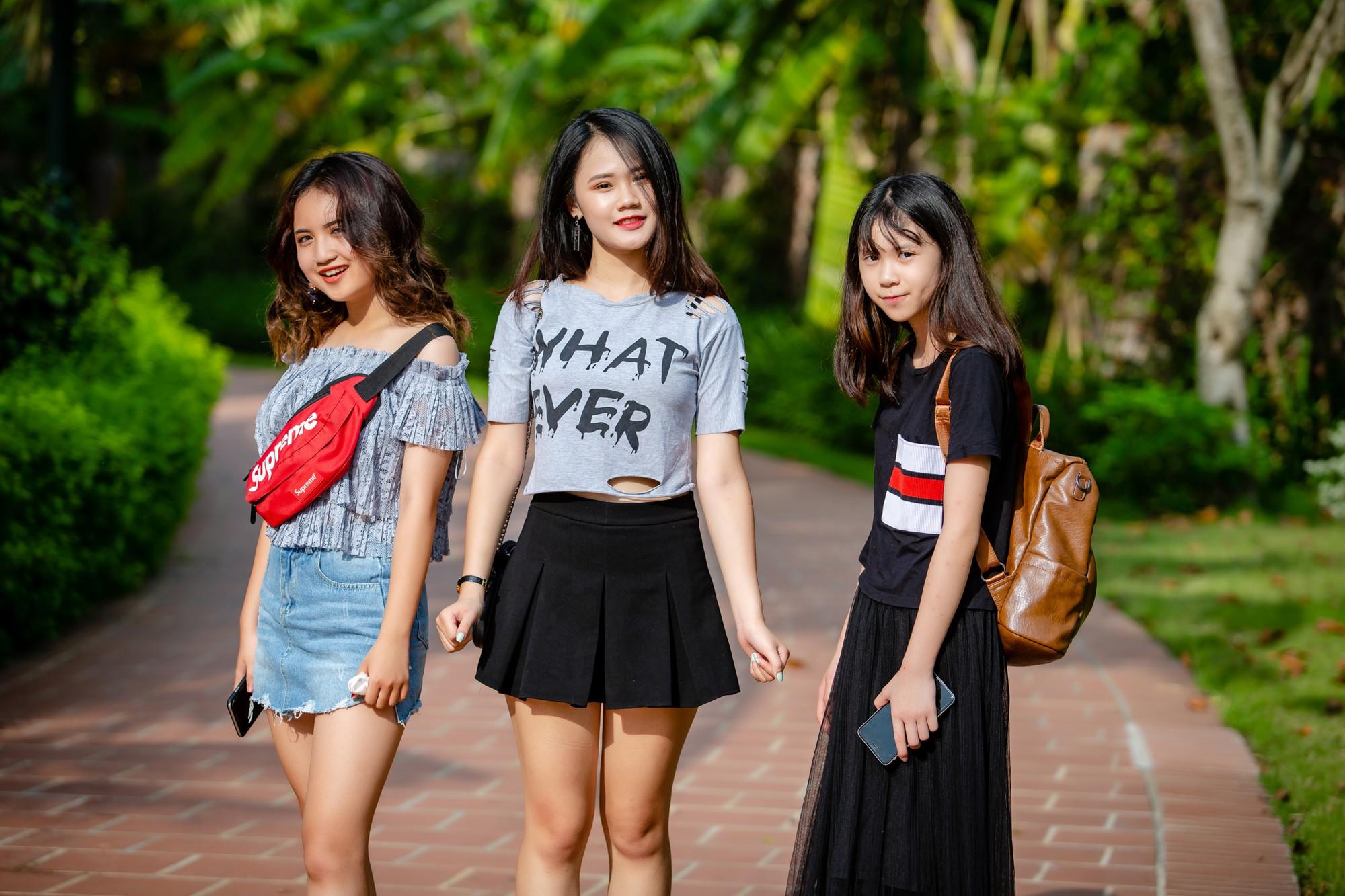 Cận cảnh nhan sắc 3 cô con gái tài năng, xinh hơn hotgirl của Tú Dưa