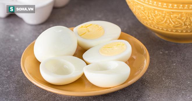 Ăn lòng đỏ nhiều sẽ bị bệnh tim và mỡ máu, lòng trắng mới tốt: Ai thích ăn trứng nên đọc - Ảnh 2.