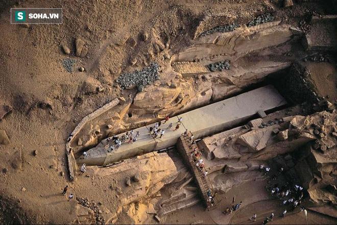 Tấm bia đá bí ẩn ở Trung Quốc: Nặng hơn 31.000 tấn, cao gần bằng tượng Nữ thần Tự Do - ảnh 3