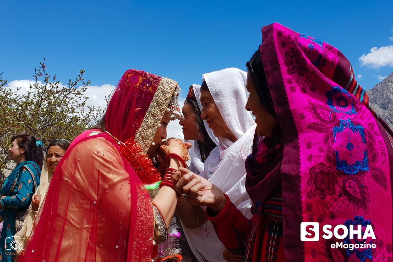 Nữ giám đốc Việt và đám cưới Hồi giáo trong mơ với chàng trai Pakistan trên dãy Tuyết Sơn - Ảnh 9.