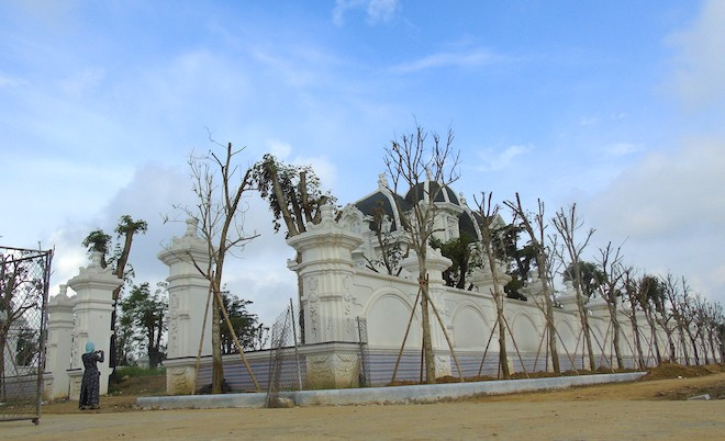 Xôn xao ngôi biệt thự rộng gần 2000m2 của cụ bà tuổi 78 ở Hà Tĩnh - Ảnh 1.
