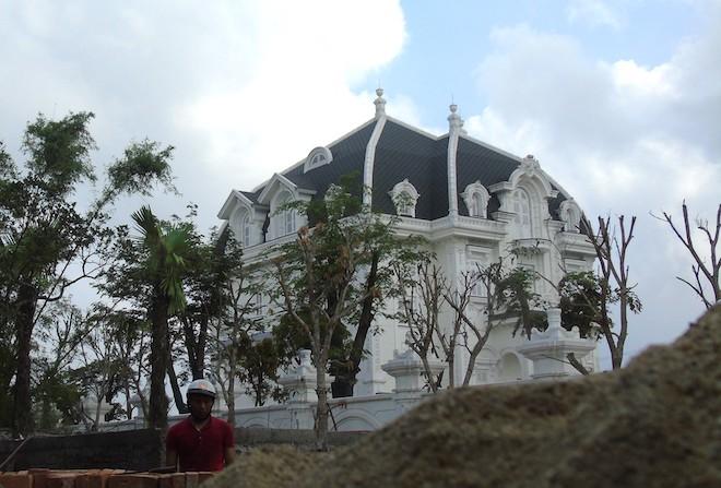 Xôn xao ngôi biệt thự rộng gần 2000m2 của cụ bà tuổi 78 ở Hà Tĩnh - Ảnh 5.