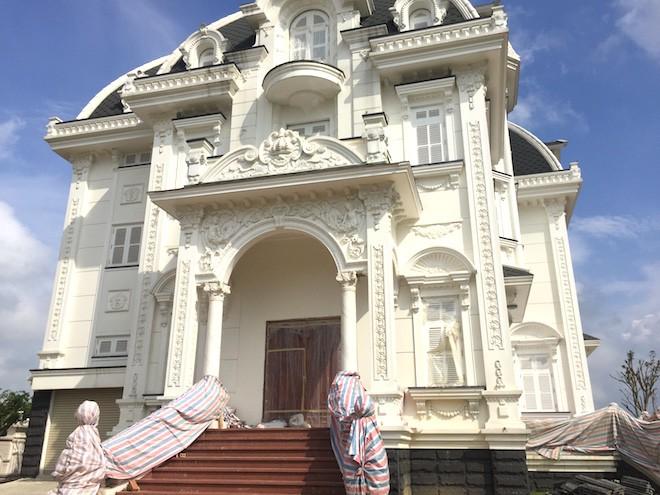 Xôn xao ngôi biệt thự rộng gần 2000m2 của cụ bà tuổi 78 ở Hà Tĩnh - Ảnh 3.