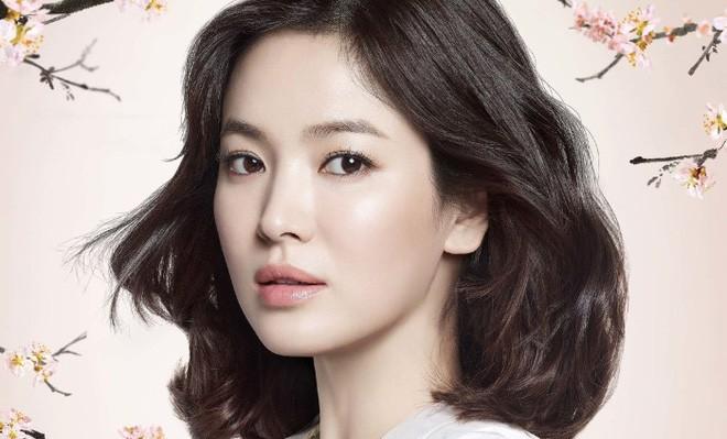 Những quý cô U40 trẻ mãi không già khiến hàng vạn thiếu nữ phải ghen tị của làng giải trí Hàn - Ảnh 1.