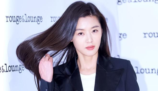 Những quý cô U40 trẻ mãi không già khiến hàng vạn thiếu nữ phải ghen tị của làng giải trí Hàn - Ảnh 11.