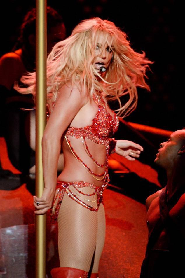 Britney Spears: Cú khủng hoảng tồi tệ nhất lịch sử showbiz và một cuộc đời khác ở tuổi 35 - Ảnh 4.