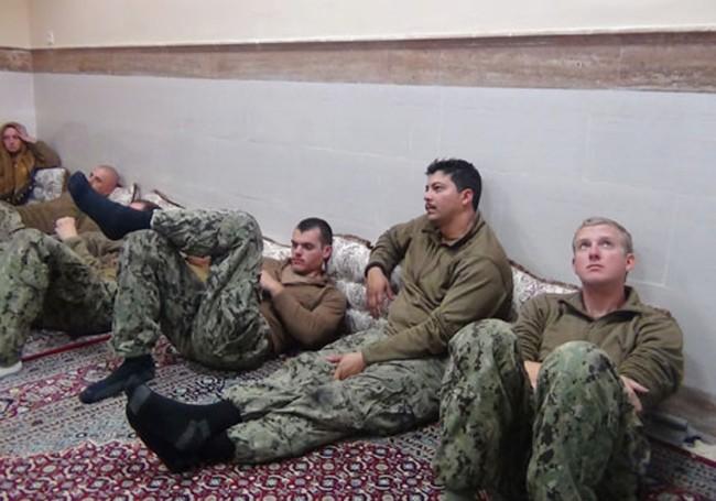 Lầu Năm Góc nhức đầu vì chiến thuật im lìm của hải quân Iran - ảnh 2