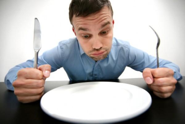 Cơ thể chúng ta có thể cầm cự được bao lâu nếu nhịn ăn hoàn toàn? - Ảnh 1.