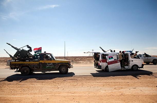 Từ cung điện tới cống ngầm: Đằng sau hành trình cuối cùng của cố lãnh đạo Libya Gaddafi - Ảnh 1.