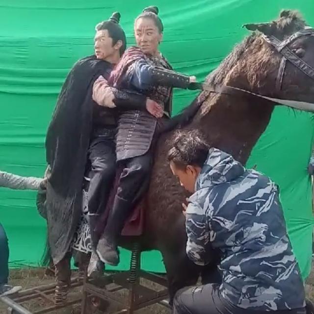 Sự thật cảnh cưỡi ngựa oai phong trong phim cổ trang Hoa ngữ