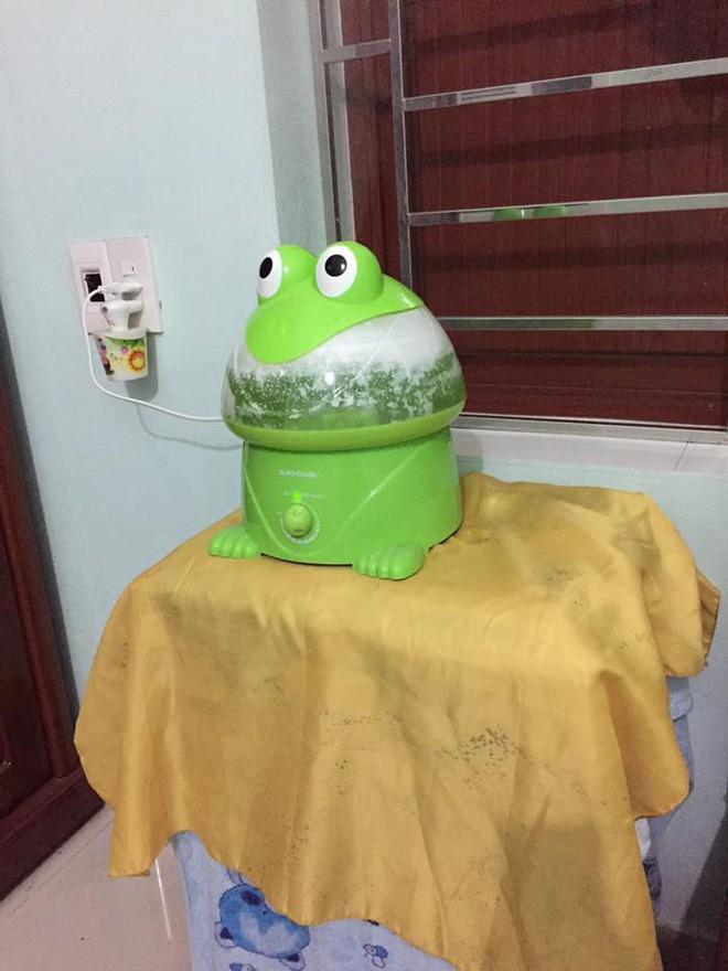Vợ trẻ nhờ chồng đổ nước vào con ếch phun sương, anh chồng ngáo ngơ làm đúng yêu cầu nhưng cái kết lại bi hài - Ảnh 2.