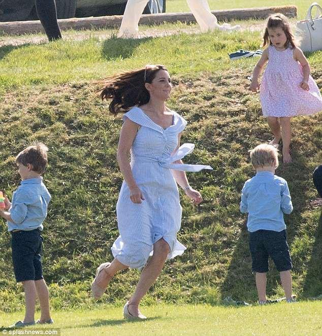 Công nương Kate tiếp tục ghi điểm nhờ thần thái giống với mẹ chồng quá cố - Ảnh 3.