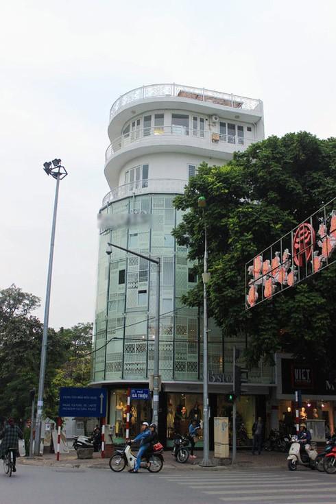 Cuộc sống giàu có, sang chảnh của Thủy Top tại Sài Gòn - Ảnh 4.