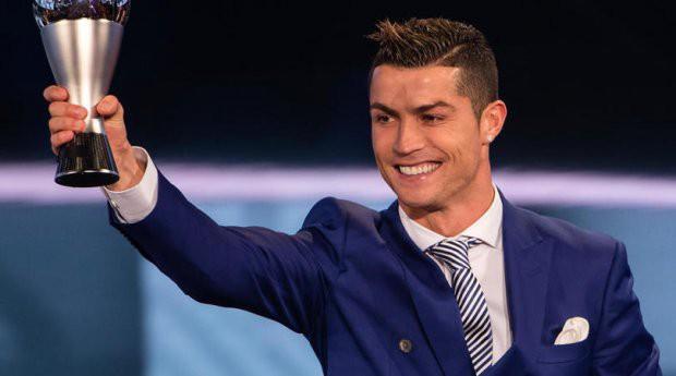 9 soái ca sân bóng đẹp trai rụng rời tại World Cup 2018 - Ảnh 15.