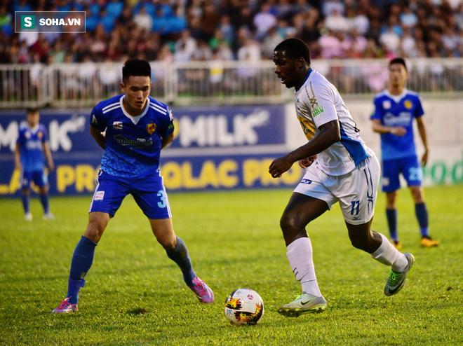 Ngược dòng thắng HAGL, HLV Quảng Nam chỉ ra điểm yếu của đội bóng bầu Đức - Ảnh 2.