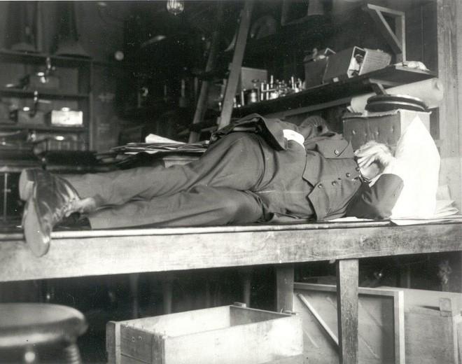 Máy mơ: Khai thác não bộ trong giai đoạn kì lạ nhất của giấc ngủ, thứ khiến cả Thomas Edison cũng khao khát - Ảnh 1.