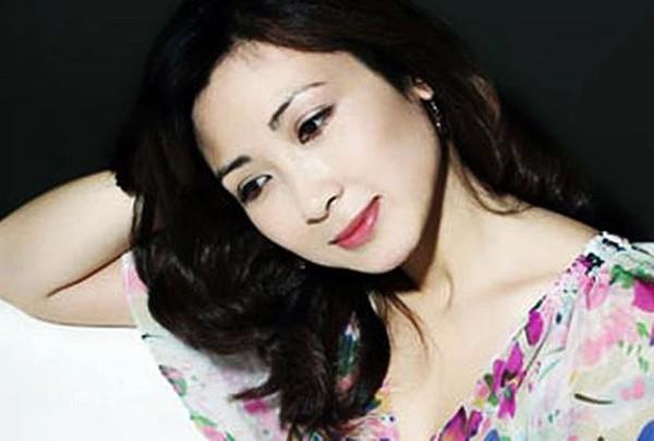 Diễn viên xinh đẹp Khánh Huyền - vợ anh trưởng thôn vác tù và hàng tổng giờ ra sao? - Ảnh 2.