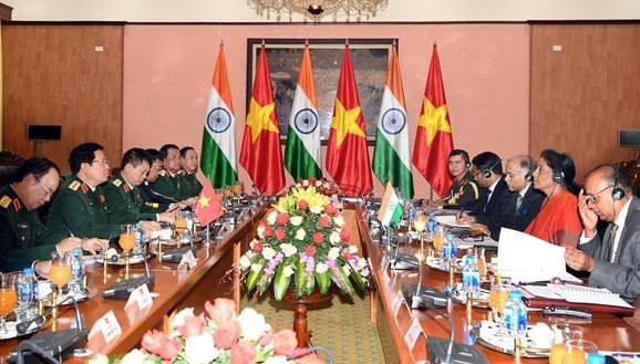 Bộ trưởng Bộ Quốc phòng Ấn Độ thăm chính thức Việt Nam - Ảnh 4.