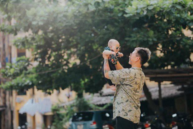 Không chụp với mẹ nữa, bố và em bé bây giờ phải song kiếm hợp bích cho ra bộ ảnh ngầu như thế này cơ! - ảnh 7
