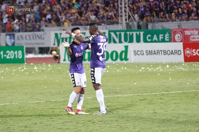 Bầu Hiển thưởng Hà Nội FC hơn 1 tỷ đồng sau trận thắng ngược Than Quảng Ninh - Ảnh 9.