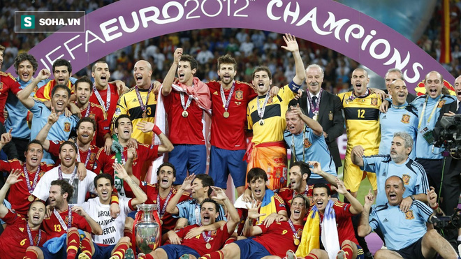 Với Fernando Hierro, bò tót Tây Ban Nha mang trong mình bộ gen Champions League - Ảnh 1.
