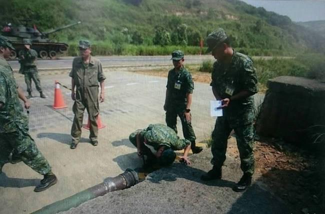 Huấn luyện yếu kém, xe tăng - thiết giáp Đài Loan liên tiếp gặp nạn 5