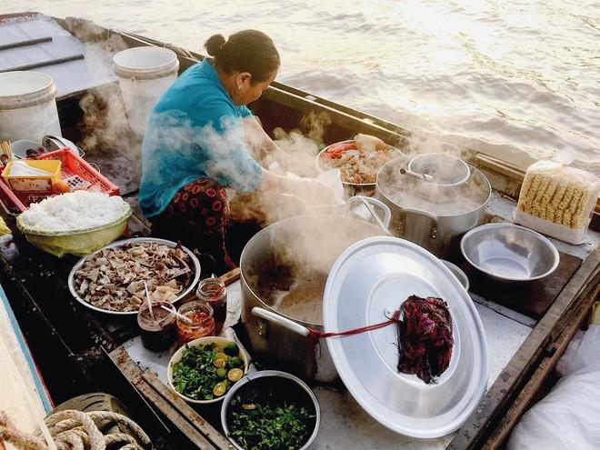 Hủ tiếu Việt Nam lên cả sóng truyền hình Mỹ và được đầu bếp lừng danh Gordon Ramsay khen ngon hết lời - Ảnh 6.